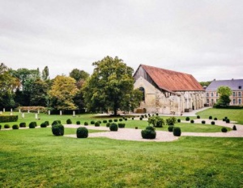 Anne a reconstruit une abbaye